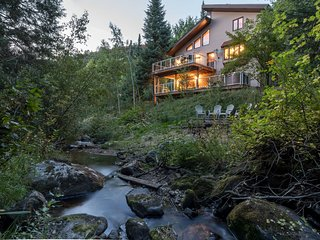 Burgess Creek Lodge