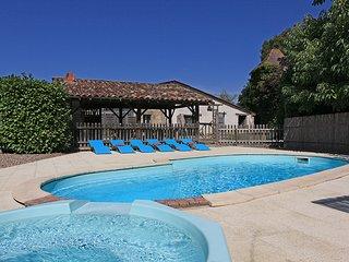 Manoir de Pie Pasquie with heated pool
