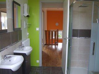 Maison Loudéac (avec jardin, proche centre), 4 chambres, 8 places, Wifi, parking