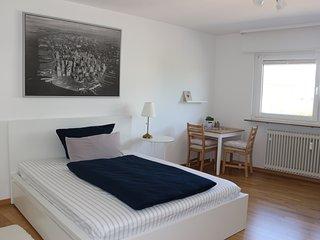 City room N02 Zimmer in Wohnung -  SAP fusslaufig! Formel 1 mit dem Fahrrad - HD