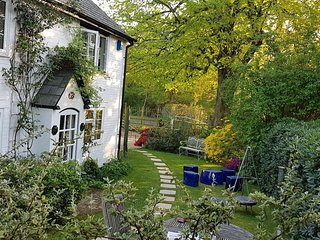Rose Cottage with leisure passes, sleeps 10.