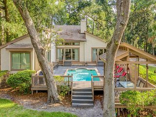 48 Kingston Road - Cute & Renovated 3 Bedroom Home w/ Pool - Lagoon View