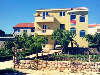 Two bedroom apartment Posedarje (Novigrad) (A-6190-a)
