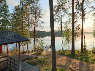 Tiilikka lakeshore cottage in Finland