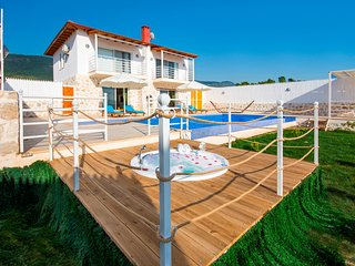 Spacious 2 Bedroom Villa with Large Secluded Pool, Garden, Views of Patara Beach
