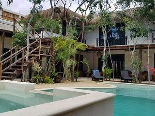 Trece Lunas  Tulum villa 12 pax en La jungla
