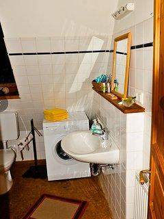 Fachwerkhof Gödringen. WC/Dusch- und Wannenbad, Waschmaschine im OG