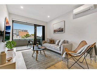 Brand-new designer apartment near the beach