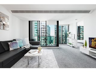 Modern CBD apartment in luxury building