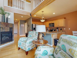 NEW LISTING! Dog-friendly Nye Beach condo with peeks of the nearby ocean!