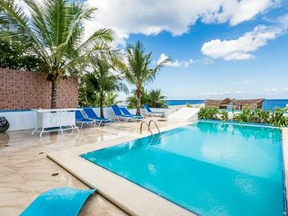 Villa Princesa — 7 Bedrooms, Oceanfront, Bike Path to Town