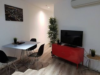 Readyset on Franklin · 2 Bedroom Apartment Courtyard A3