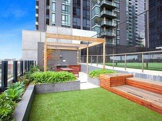 ReadySet Southbank - 2 Bedroom Apartment K1
