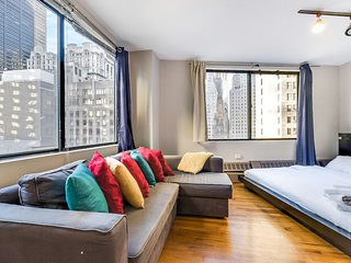Stay in the Financial District in this cozy 3 Bedroom Apartment 8940