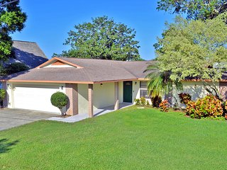 Bradenton Lakefront Vacation Rental Home with Heated Pool and Water Views