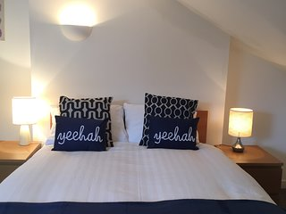 Hicks House - great value sleeps 12