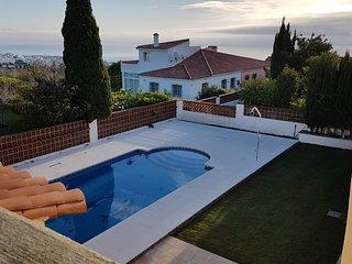 Casa Leonor récemment rénovée avec piscine et 4 chambres et vue mer