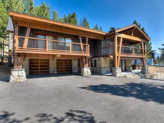 Luxury Squaw Home With Hot Tub, Walk To Resort