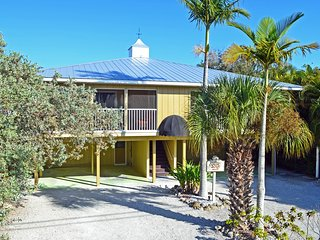 Fully Renovated Beachside Getaway with Heated Pool – Walk to Restaurants
