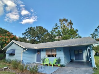 Downtown Sarasota Cottage Home with Updated Decor and Centrally Located