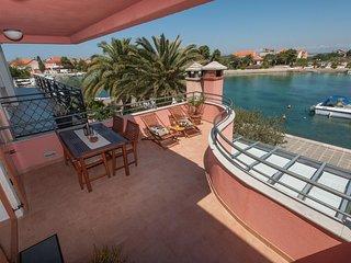 Poljana Apartment Sleeps 4 with Air Con and WiFi - 5468397
