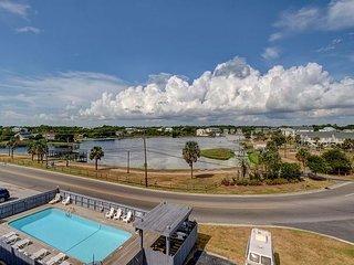 Carolina Lake Beach Villas A17 - One bedroom condo, ocean views and a pool!