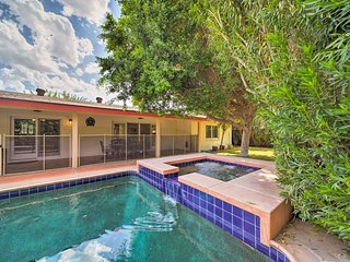 Updated Phoenix Home w/Pool&Spa-Near Camelback Mtn