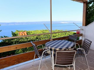 Kutlesa Apartment Sleeps 5 with Air Con and WiFi - 5460061