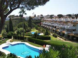 Family Apartment rental Spain. Aircon-Wi-Fi, Pools, Golf /Tennis only few Mtrs