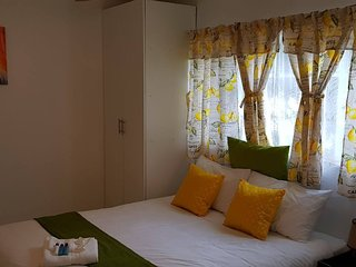 Cammy's Guesthouse Pad Cozy Crisp Clean - Self Catering Studio 1