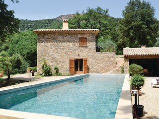3 bedroom Villa in La Garde-Freinet, Provence-Alpes-Cote d'Azur, France : ref 56