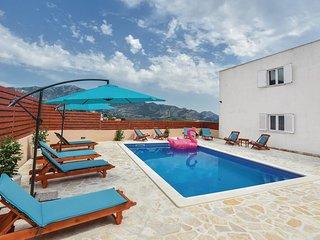 5 bedroom Villa in Gizdici, Splitsko-Dalmatinska Zupanija, Croatia : ref 5672726