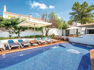 4 bedroom Villa in Sao Bartolomeu de Messines, Faro, Portugal - 5673632