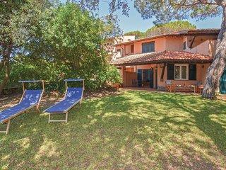 3 bedroom Villa in Castiglione della Pescaia, Tuscany, Italy : ref 5673563