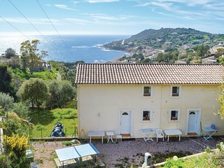 2 bedroom Villa in Tiuccia, Corsica, France : ref 5622942