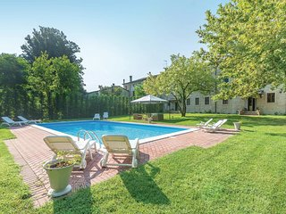 7 bedroom Villa in Casate Belvedere, Lombardy, Italy - 5624417