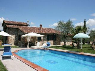3 bedroom Villa in I Bertoni, Umbria, Italy - 5239803