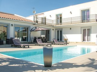 4 bedroom Villa in Vailhauques, Occitania, France : ref 5670913