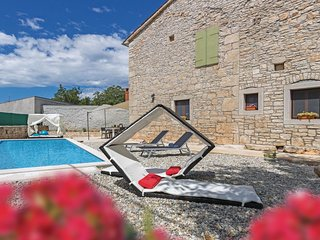 2 bedroom Villa in Rezanci, Istria, Croatia : ref 5673184