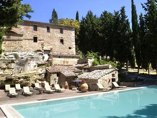 3 bedroom Apartment in San Gimignanello, Tuscany, Italy : ref 5239653