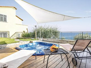 3 bedroom Apartment in Moneglia, Liguria, Italy : ref 5673567