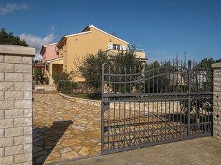 2 bedroom Villa in Ližnjan, Istria, Croatia : ref 5625582