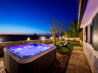 2 bedroom Villa in Kanfanar, Istria, Croatia : ref 5625375