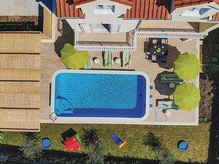 5 bedroom Villa in Kaštel Novi, Splitsko-Dalmatinska Županija, Croatia : ref 567