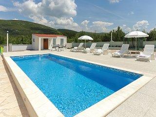 3 bedroom Villa in Pocrnje, Splitsko-Dalmatinska Zupanija, Croatia : ref 5672728