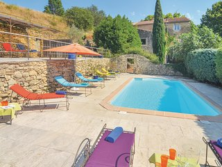6 bedroom Villa in Cornillon-Confoux, France - 5539383