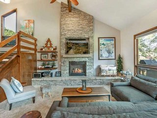 Quick walk to Bus Stop, Easy Access to Vail & Beaver Crk, 2 King Beds, Perfect f