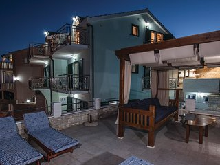 6 bedroom Villa in Zaglavice, Splitsko-Dalmatinska Zupanija, Croatia : ref 56732