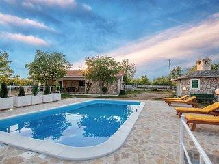 3 bedroom Villa in Nevest, Šibensko-Kninska Županija, Croatia : ref 5672904