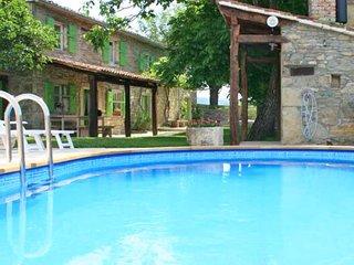 3 bedroom Apartment in Fontana, Istria, Croatia : ref 5625558